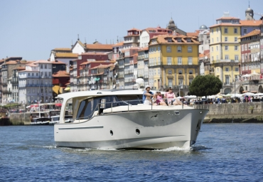 Enjoy a wonderful Douro Cruise with confortable and safe fleet!