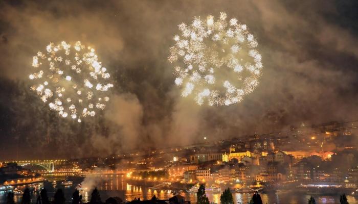 A festa de São João, considerada a maior noite do ano, é uma das maiores celebrações do país!