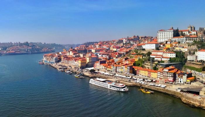 Também a cidade do Porto merece grande destaque, sendo o local perfeito para terminar uma viagem pelo Norte de Portugal