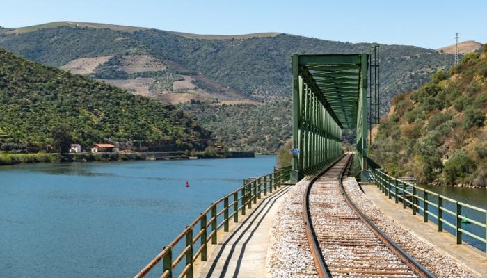 Faça as malas e parta à descoberta da vila mais antiga de Portugal, com o foral de 1055.