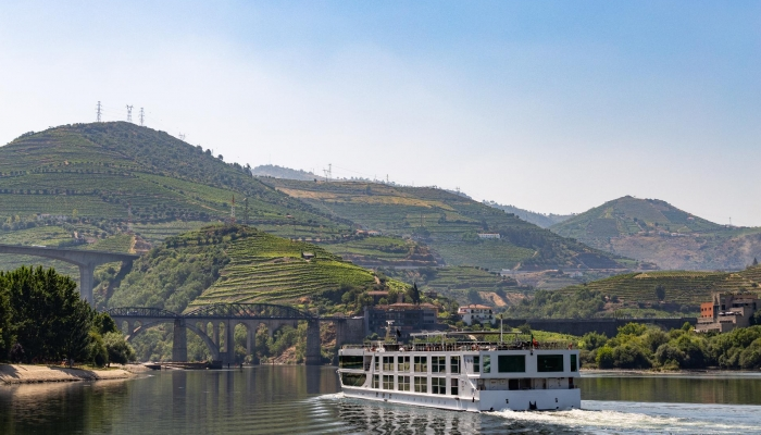 No primeiro dia, o nosso cruzeiro parte de Vila Nova de Gaia com destino à Régua.
