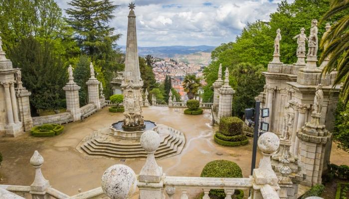 o Santuário de Nossa Senhora dos remédios é um dos santuários mais belos da região.
