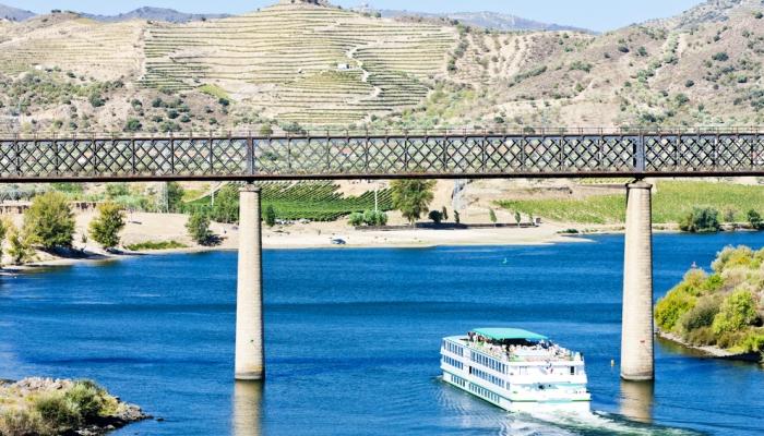 O Pocinho não é uma das regiões mais conhecidas do Douro, mas fazer um Cruzeiro até ele, vale a pena!