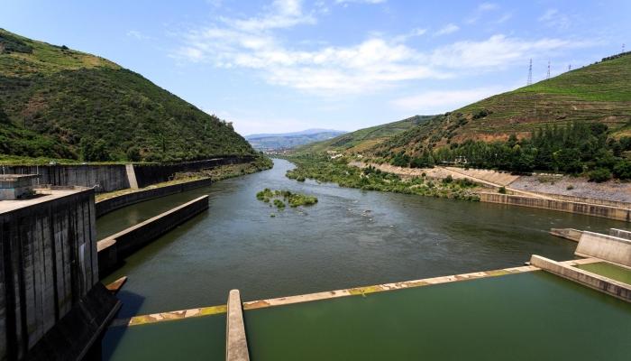 A Barragem de Bagaústo é um dos maiores pontos de interesse para todos os viajantes do Douro