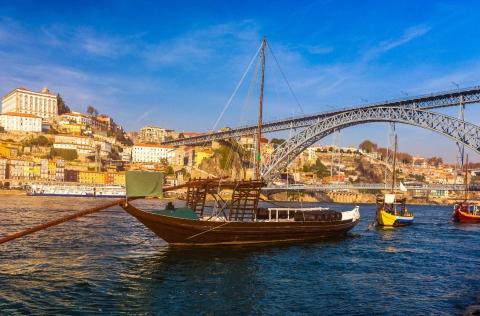 ja-experimentou-uma-francesinha-em-pleno-rio-douro