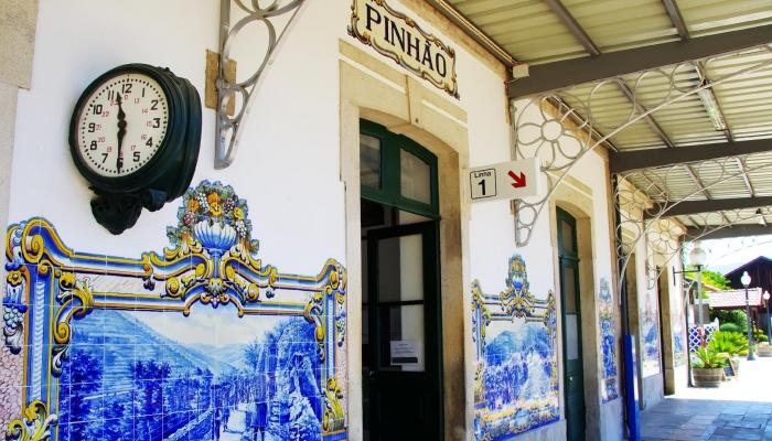 A Estação do Pinhão é uma das Estações Ferroviárias históricas mais bonitas em Portugal