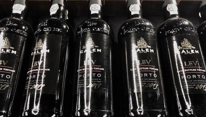 O Porto LBV é um vinho muito requintado que envelhece em madeira, num período de 4 a 6 anos