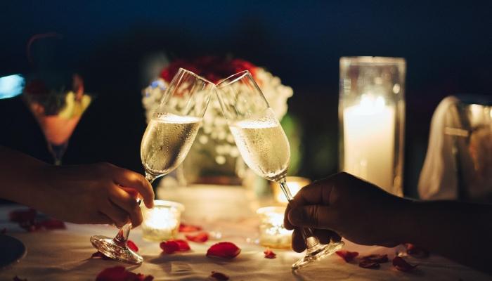 Reserve já o seu lugar e desfrute de um romântico e muito especial programa de São Valentim