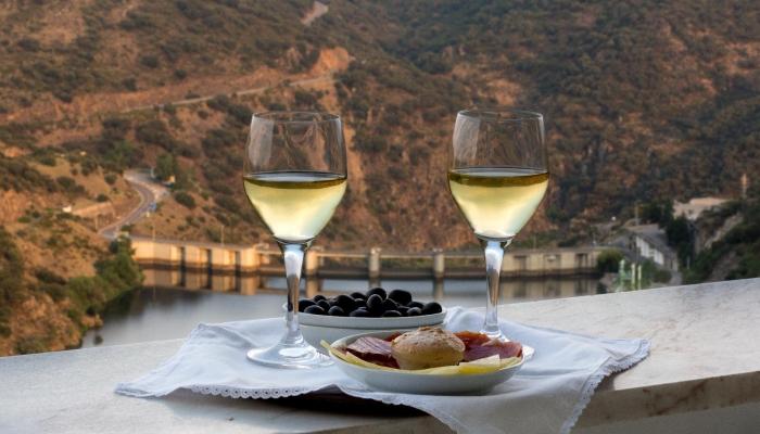 A forma mais tradicional em Portugal de beber um Vinho do Porto é como aperitivo.