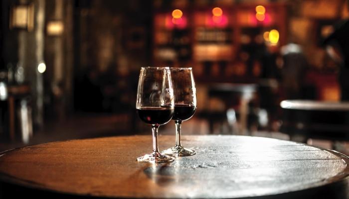 Principalmente na hora do brinde, abra uma garrafa de Vinho do Porto, para um momento ainda mais memorável.