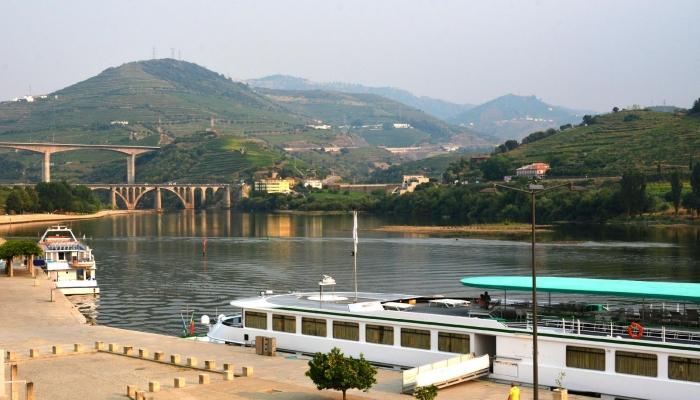A Cidade da Régua é considerada a capital da Região Demarcada do Douro, atraindo muitos visitantes em cruzeiro