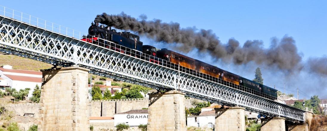 todos-a-bordo-o-ansiado-do-regresso-do-comboio-historico-ao-douro