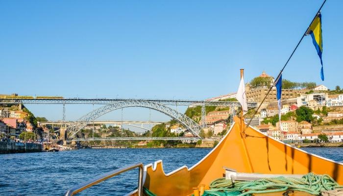 Aproveite a sua visita ao Porto para assistir ao Red Bull Air Race para um cruzeiro pelo Douro