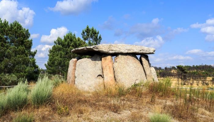Este dólmen pode ser encontrado na freguesia de Matança, em Fornos de Algodres