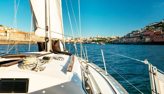 Descubra o Douro a bordo de um veleiro é ainda mais especial