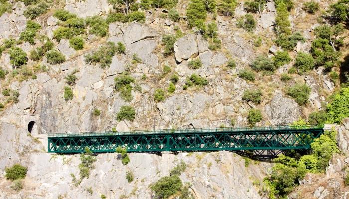 Ao todo existem 22 túneis ao longo da Linha do Douro. Este é o Túnel do Tua