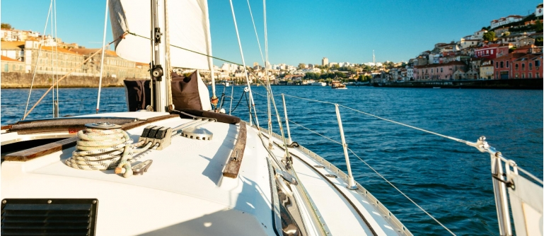 Cruise on a sailboat Douro Treasures